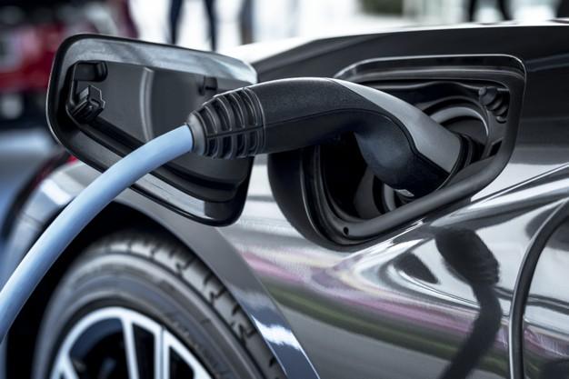 כיצד פועלות עמדות טעינה לרכב חשמלי EV